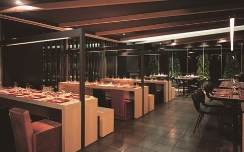 GoMongo Restaurant @Dark Lighting